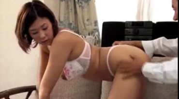 Unsatisfied Wife Finds Pleasure Elsewhere